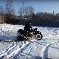 Мотоцикл с мотором ВАЗ в коляске — теперь вы видели все! (ВИДЕО)